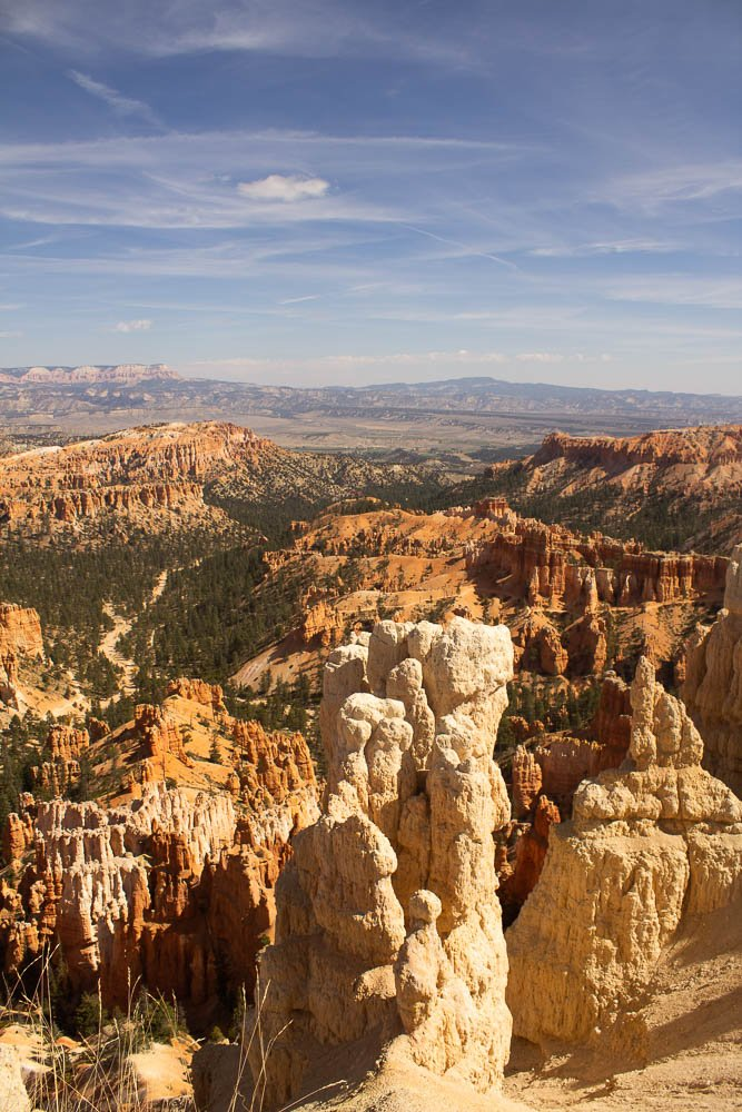 tall white hoodoo with views from Inspiration Point at Bryce Canyon National Park