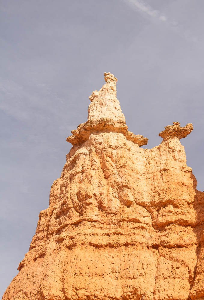 Tall hoodoo that looks like statue of Queen Victoria on the Queen's/Navajo Loop Trail at Bryce Canyon